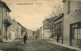 30 BELLEGARDE    RUE  D'ARLES  (CAFE DES  FLEURS   ET CAFE DE L'UNIVERS) - Bellegarde
