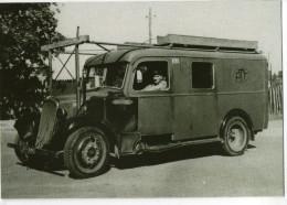 CPM  POSTES    CAMION CITROEN 23  MUNI D UN GAZOGENE D AILE 1940 - Poste & Facteurs