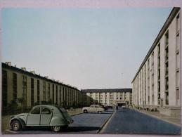 Citroen 2CV, Simca Aronde, Rue De La Martinique, Creil - Passenger Cars