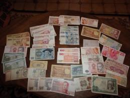 40 Billets De Banque Divers Pays + Télécartes - Monnaies & Billets