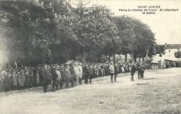 LIMOUSIN - 87 - HAUTE VIENNE - SELECTION - SAINT JUNIEN - Place du champ de foire - Belle animation