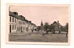 Guerlesquin Le Haut De La Place - Guerlesquin