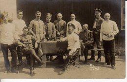 CARTE PHOTO QUEDLINBURG EN SOUVENIR DE MR DUBOURDIER ET SES HOMMES PRISONNIER DE GEURRE - Personen