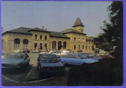 Carte Postale 57. Sarreguemines  La Gare S.N.C.F. Citroën  Trés Beau Plan - Sarreguemines