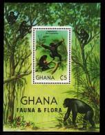 Ghana MNH Scott #788 Souvenir Sheet 5ce Chimpanzees - Fauna & Flora - Ghana (1957-...)