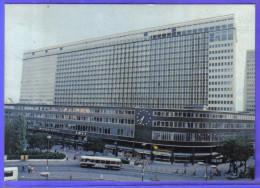 Carte Postale 75. Paris  La Gare Montparnasse  S.N.C.F.  Trés Beau Plan - Metro, Estaciones