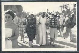 PHOTO - Touristes Et Guides En Egypte - Photographs