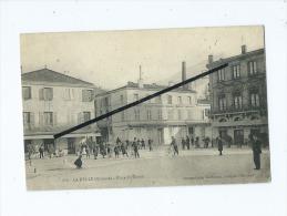 CPA  - La Réole  - Place Du Turon - La Réole