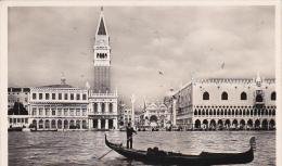 Italia 1951 Cartolina Usata, Venezia Panorama E Gondola - Postcards