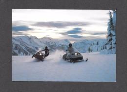 SPORTS - SKI DOO - MOTONEIGE -  2 MOTONEIGES EN ACTION - PAR BOMBARDIER - Sports D'hiver