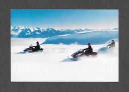 SPORTS - SKI DOO - MOTONEIGE - 3 MOTONEIGES EN ACTION - PAR BOMBARDIER - Sports D'hiver
