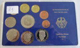 26347g ALLEMAGNE - 9 FDC Sets - 1986G; 1985G; 1984G; 1983G; 1982G; 1981D; 1980F; 1980J; 1979J  - Boite D´origine - [ 7] 1949-… : RFA - Rép. Féd. D'Allemagne
