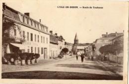 L'ISLE-EN-DODON ROUTE DE TOULOUSE ANIMEE (CARTE GLACEE) - France