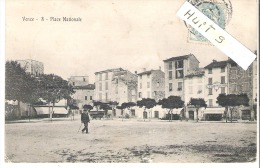 VENCE : Place Nationale,Hotel Etrangers.(coin Faible). - Vence