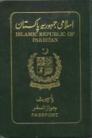 PAKISTAN PASSPORT ISSUED IN 1999 FROM GUJRAT WITH UNITED STATES OF AMERICA (USA) VISA - Historische Documenten