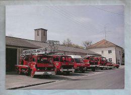 CPM - Autos Dans La Rue - Ste-Menehould (51) - Pompiers - Le Centre De Secours - Trucks, Vans &  Lorries