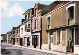 PIRE-sur-SEICHE (35. I-et-V.) Le Bourg CPSM Dentelée GRAND FORMAT Non écrite Réf. Ac 3 - France