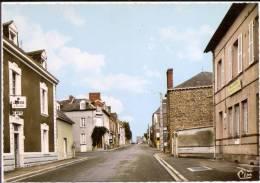 PIRE-sur-SEICHE (35. I-et-V.) Le Bourg - La Poste CPSM Dentelée GRAND FORMAT Non écrite Réf. Ac 4 - France