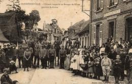80 - FRESSENNEVILLE - Château Incendié Et Bureau De Poste Pendant La Grève. - France