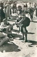 Les Souks : Le Porteur D'Eau - Algérie