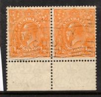 "Australia  1926   ""1/2d  Orange,  Perf 13.5 X 12.5""    X 2   VFU   (0) - Usati"
