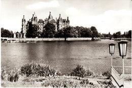 BRD- Mecklenburg-Vorpommern: 19053 Schwerin, Blick �ber den Burgsee zum Schlo�  B&H  01 02 31 253