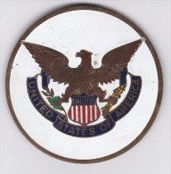 USA- ESTADOS UNIDOS - CHAPA METALICA ESMALTADA DE COCHE - AÑ0 1950/60 - DIAMETRO 7,5 CMS - Automóviles
