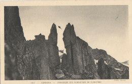 Sports - Alpinisme - Escalade Montagne - Traversée Clochetons Plan-Praz - Alpinisme