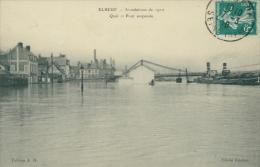 76 ELBEUF / Inondations De 1910, Quai Et Pont Suspendu / - Elbeuf