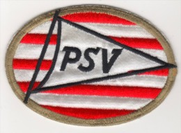 NEDERLAND PSV EINDHOVEN  FOOTBALL CLUB  EMBLEM,PATCH 60 X 85 MM. - Scudetti In Tela