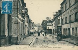 76 NEUFCHATEL EN BRAY / Rue Desnoyelles, Gendarmerie / - Neufchâtel En Bray