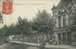 76 SAINT SAENS / Salle Des Fêtes Et Gendarmerie / - Saint Saens