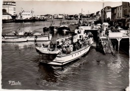 Les Sables D Olonne Le Port Et Le Bateau De Promenade - Sables D'Olonne