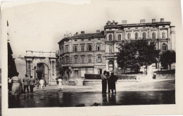 Pula, Zlatna Vrata Old Postcard Travelled 1965 Bb160129 - Kroatien