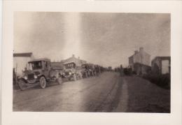 Photo 1918 LANGRES - Un Convoi Américain, Automobile (A132, Ww1, Wk 1) - Langres