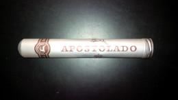 Etui (vide) APOSTOLADO - Étuis à Cigares