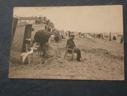 Houlgate Sur Mer  La Plage - Animée  : Couple Assis Sur Des Chaises - Ed. LD - Précurseur - L243 - Houlgate