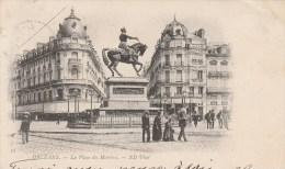 ORLEANS (Loiret) - Place Du Martroi - Animée - Orleans