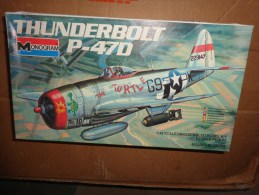 Maquette -monogram  THUNDERBOLT P-47 D 1/48 - Airplanes