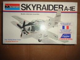 Maquette -monogram  SKYRAIDER A-1E 1.72 REF 6807 - Flugzeuge