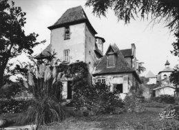 V404 Cpsm 63 Thiers - Château De Franc Séjour Au Moutier - Thiers
