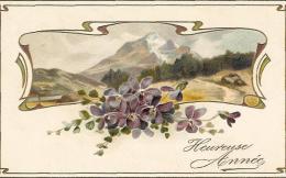 Violettes Des Alpes Devant Un Paysage De Montagnes - Superbe Carte Précurseur De Voeux - Fleurs, Plantes & Arbres