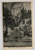 Tournai Monument Gabrielle Petit - Kriegerdenkmal