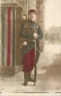 PORTRAIT DE SOLDAT AVEC FUSIL CARTE PATRIOTIQUE - Patriotiques