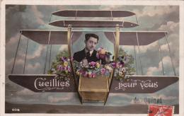 Cpa Quéant - Cueillies Pour Vous De - Homme Et Fleurs Dans Un Avion - Carte Souvenir - France