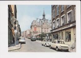 92 Suresnes La Rue Du Mont Valérien Et La Mairie - Suresnes