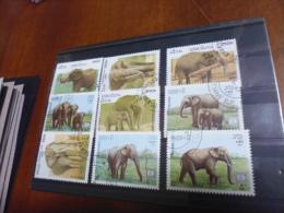LOT TIMBRES SUR LES ELEPHANTS - Olifanten