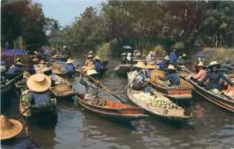 Damnernsaduak Floating Market, Rajburi Province, Middle Thailand - Thailand