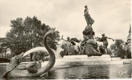 Paris     Place De La Nation - Piazze