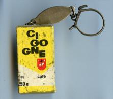 PORTE-CLES ANNEES 1960 -  CAFÉ CIGOGNE - 2 SCANS - Sleutelhangers